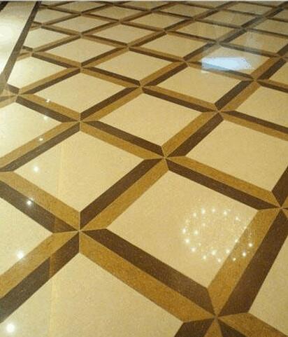 菱形贴(大砖菱形贴),在大砖的周围做了个拼花,显得大气、高贵,适合放在大厅的中间。