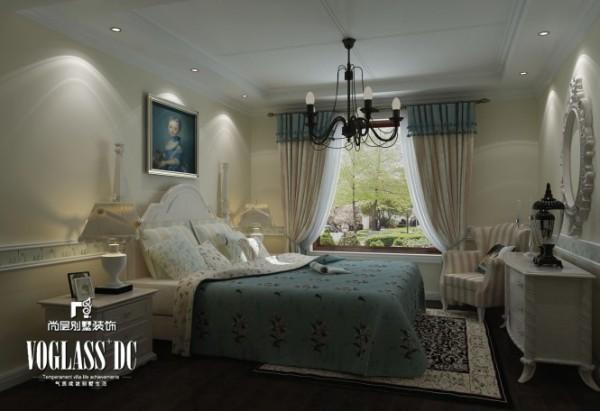 卧室—在造型设计上既要突出凹凸感,又要有优美的弧线。