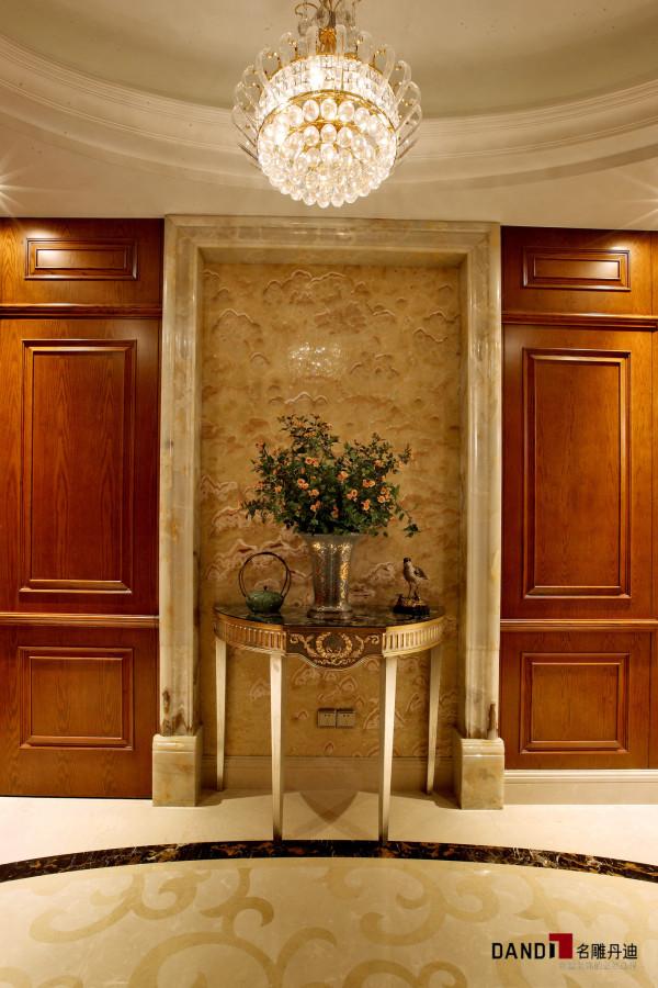 名雕丹迪别墅设计--天御山别墅--中美混搭--玄关:电梯建于住宅中央,入户门位于圆中心