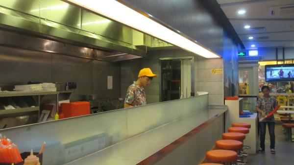 餐厅操作间  免费提供wifi及ipad