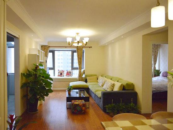 设计说明:本案例为简约欧式风格,整体空间以米色与草绿为主,点缀欧的纹理,清新中不失品质,暖色调墙壁色再配上大片的绿色家具以及植物,十分的温馨自然
