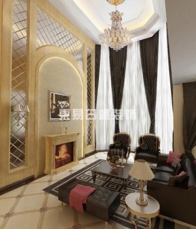 欧式风格强调以华丽的装饰、浓烈的色彩、精美的造型达到华贵的装饰效果。欧式客厅顶部用大型灯池,并用华丽的枝形吊灯营造气氛。门窗上办部做成弧形,并用带有花纹的石膏线勾边,室内则有壁灯造型。