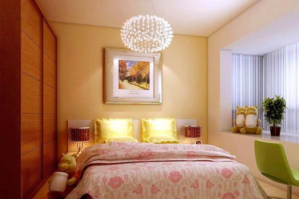 这件卧室的背景墙和灯饰上都显得很适合女性!