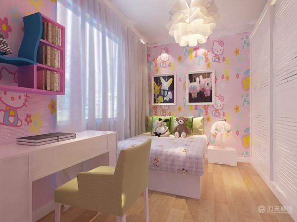 女儿房大面积采用Hello kitty壁纸,顶面采用石膏线圈边,整体配上灯光的照射,突显出即低调又不缺时尚氛围的公主房。