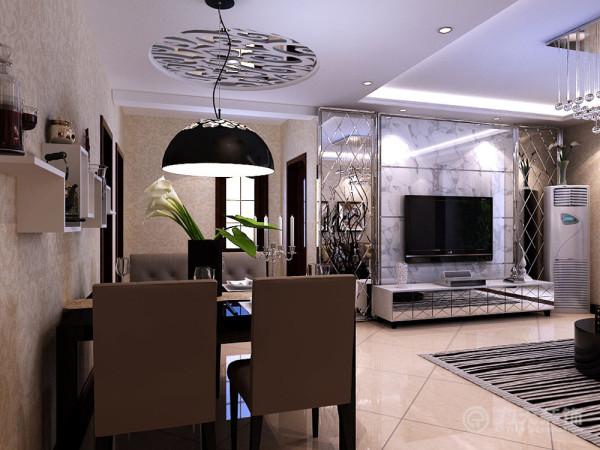 从餐区向右走到达客厅及客厅阳台区域,客厅与餐厅紧密相连,南北通透,房屋结构,最大限度的获得了自然采光的优势,创造了一个温暖浪漫的阳光通道,