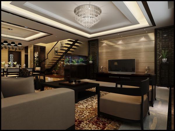 欧式客厅顶部用大型灯池, 并用华丽的枝形吊 灯营造气氛。 门窗上半部做成弧形, 并用带有花纹的石膏线勾边, 室内则有壁灯造型