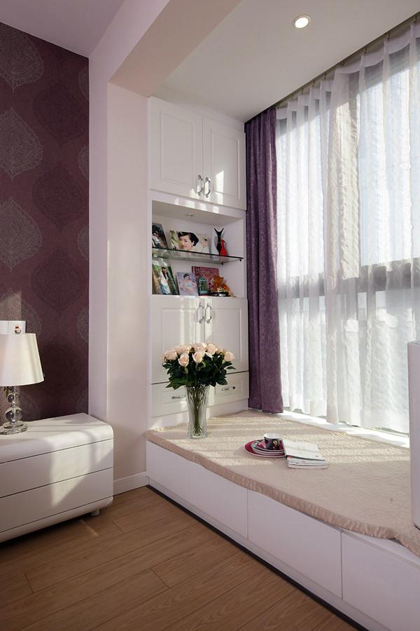 卧室飘窗一角
