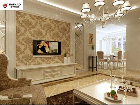 电视墙的设计采用的是大花纹墙纸,两侧采用的三角形和菱形拼合的长方形整体玻璃装饰。