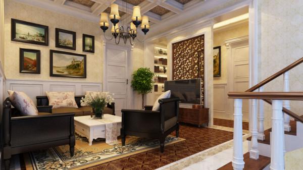 """客厅给人的第一印象,并不是大多数人 脑海中古典风格客厅的 """"恢宏盛大"""",而是充满温馨和明媚,宽大的落地窗让客厅将阳光揽入怀中,平易 近人的气质油然而生。"""