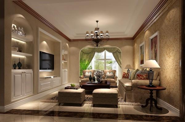 """此设计继承了传统欧式风格的装饰特点,吸取了其风格的""""形神""""特征,在设计上追求空间变化的连续性和形体变化的层次感,室内多采用带有图案的壁纸、地毯、窗帘、床罩、灯饰体现华丽而不高调的风格。"""