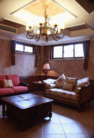 整个空间蕴藏了丰富的设计元素,历久耐看的美学造型是家居搭配过程中重要的风格流派。注重品质与细节,整个设计风格稳重中散发着优雅的情愫。