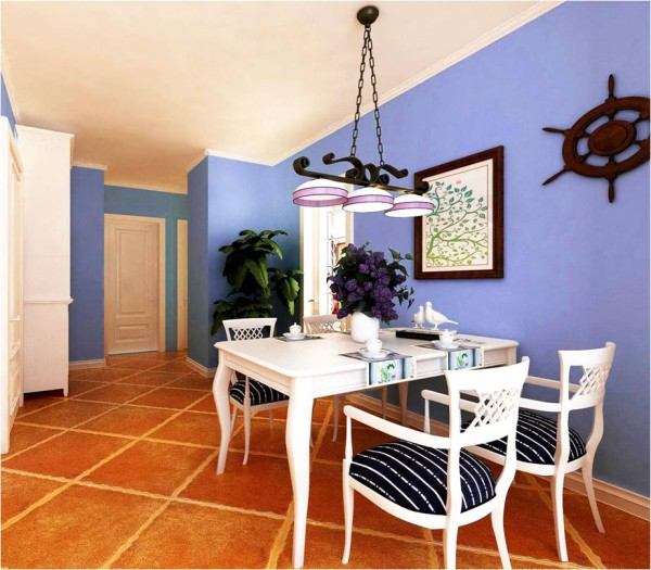 采用玻璃的厨房门使餐厅部分采光增强,墙面装饰盘,是我们百看不艳的地中海装饰。