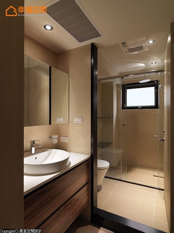 以独立于外的洗手台方式呈现,满足家人的机能需求;洗手的柜面也使用KD板材,木质的纹路呈现出最自然的细腻度。