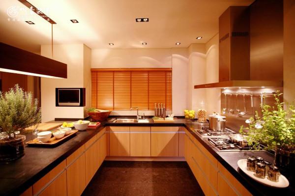 厨房很大有木有,美图还是很美的哦,合肥装饰公司排名,合肥装饰公司,川豪装饰公司,川豪装饰,合肥川豪装饰,安徽川豪装饰公司