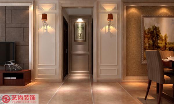 客餐厅中间的走道设计及墙面的处理。
