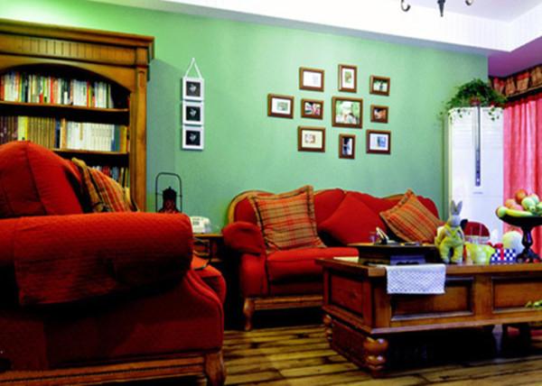装修亮点:南美风在室内的色彩上运用上大胆,在家具和背景墙、地板上更披上各种色彩,整体看起来很有巴西人的热情感!