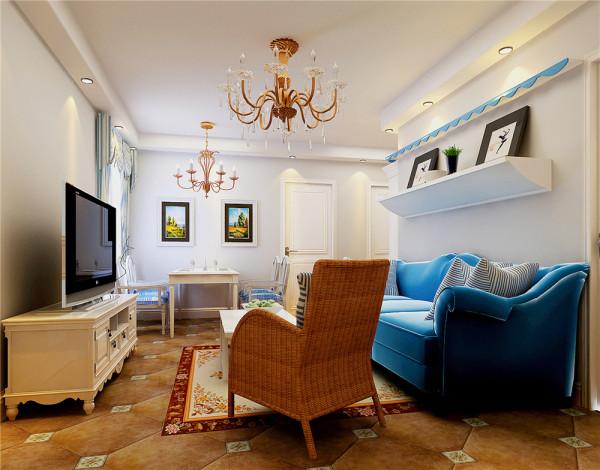 设计说明:这原本是城市中一套不大,但是各功能区域都要具备的公寓,面积不大,但是以设计师对地中海风格的拿捏,让这在最有限的空间里,运用最简单的书法,营造出喧闹城市中的静谧地中海风格。