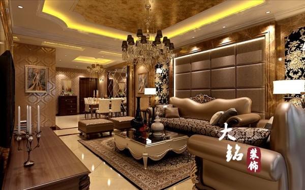 """""""形散神聚""""是新古典的主要特点,讲求风格,在造型设计的不是仿古,也不是复古而是追求神似。注重装饰效果,用室内陈设品来增强历史文脉特色,往往会照搬古典设施、家具及陈设品来烘托室内环境气氛。"""