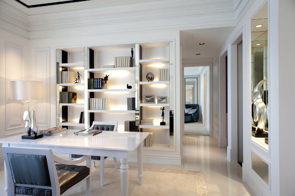 这是沙发后的设计,简易书房,喝茶休闲,孩子写作业都可以。