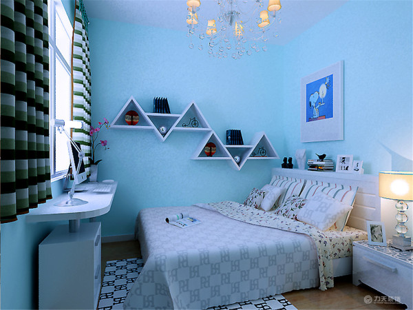 主卧室通贴壁纸,营造温馨安静的气氛,床主色为紫色,有浪漫的气氛。添加绿植给房间添加些生气。