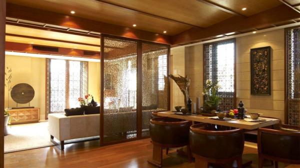泰式风格的室内设计古朴典雅,让人一眼就 喜欢它的内敛大气,更是有一种亲和力。