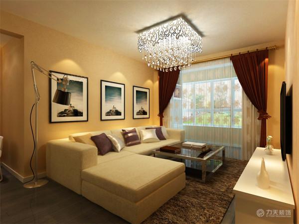 沙发墙部分则采用了三幅大型挂画,在沙发墙不进行大的装饰,也是设计师常用的一种手法——留白,方便后期的改动。