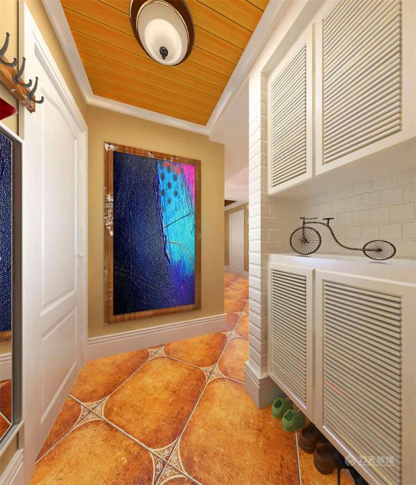 在家具选配上,通过擦漆做旧的处理方式,搭配绿藤、抽象画等,表现出自然清新的生活氛围。