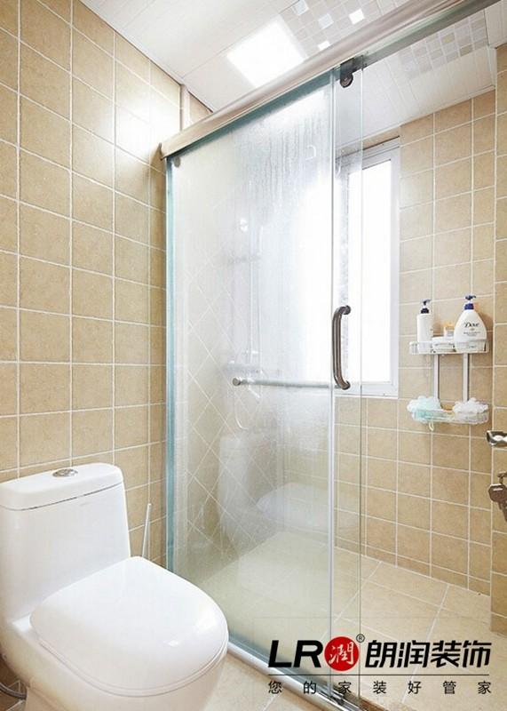 卫生间选用了温暖色调的墙地砖组合,搭配清新洁具组合,效果是看得见的噢!