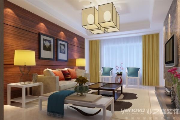 有现代简约的沙发,又有传统古典的明式家具,在家具设计上也不忘为新中式添以这厚重的一笔。主卧传统纹样的白地毯,仿古台灯,明式圈椅......把苏文化的意境美恰到好处地渗透到每个角落。