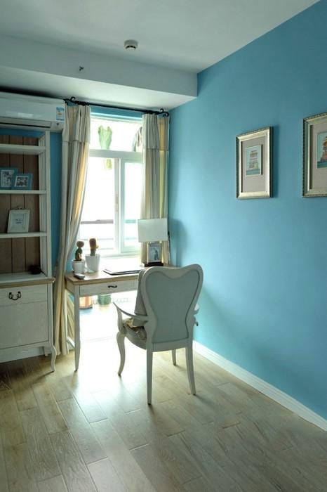 蓝色是最适合书房的,很容易就让人卸下疲惫