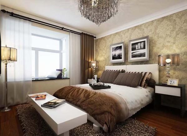 卧室:脉脉温情的卧室 设计理念:主卧采用了深色的基调,在冷静和高雅中流露大方,彰显贵气,完备的功能,则更能带来隐秘生活的从容与雅致。