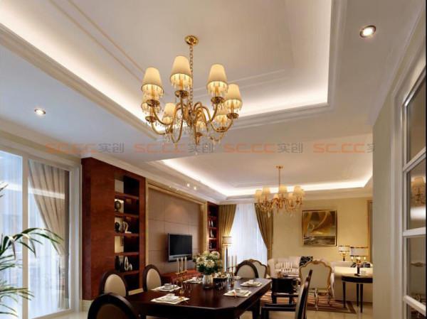 定制的酒柜,和餐桌融为一体,突显出欧式,酒柜也兼具收纳和装饰功能。