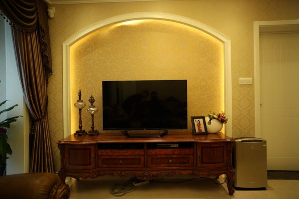 客厅电视背景墙欧式装修实景图