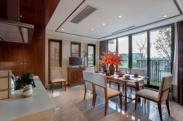 只要充分地运用材质的特点,现代的设计也可以传达视觉与舒适的平衡。