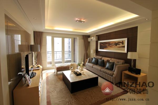 现代简约风格客厅,给人视觉的、精神的享受。浅色的沙发、木制的茶几,完美的将时尚与古典融合。室内融合一个看起来简单的角落设计,其实都凝结着设计师的独具匠心,既美观又实用