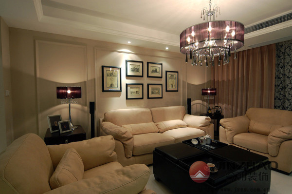 家 就是这样一个让人身心放松的地方,无论是下班一进门 ,还是窝在沙发里玩手机。
