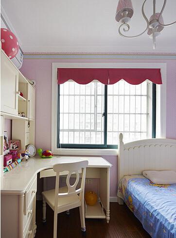 儿童房十分的温馨,小巧精致有木有?