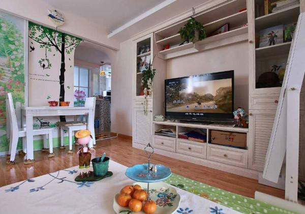 电视墙的整个设计,不仅好看而且实用哦。