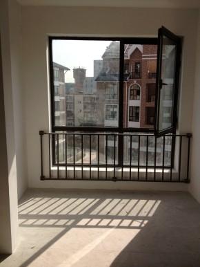 简约 现代 高度国际 时尚 白富美 金谷香郡 三居 白领 80后 阳台图片来自北京高度国际装饰设计在金谷香郡简约极致三居的分享