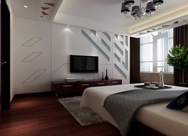 卧室床头的皮面软包设计,加上镜面的雕花,使整个空间更温馨,通往四层的储藏间楼梯,设计成整体的电视背景墙,即有整体感,又非常实用。