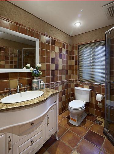 瓷砖的点缀让卫生间更加富有创意