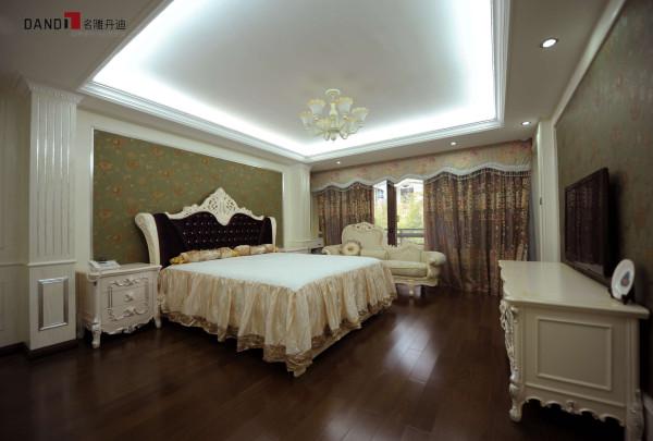 紫麟山简欧风格别墅—卧室