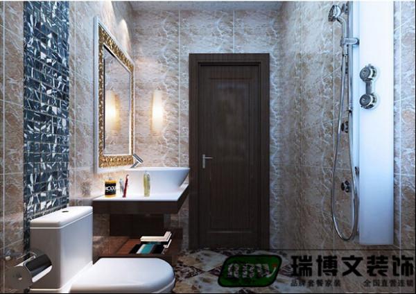 卫生间的是用暖色的砖
