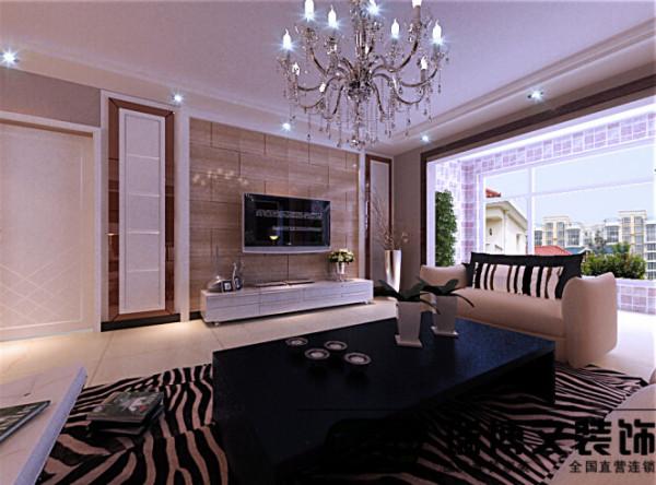 电视墙为搭配奢华的生活态度,做烤漆玻璃和石材搭配,客厅墙面用深色壁纸和顶面区分明确,层次分明。