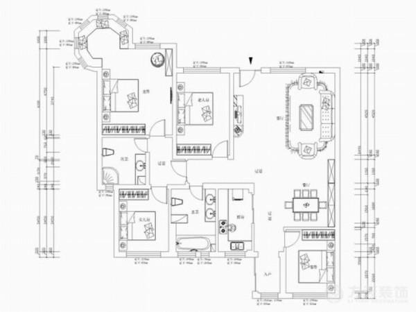此次设计风格为欧式风格,色彩以暖色调为主,以深木色平衡。客厅顶面圈顶,中间是银色网格造型,地面铺贴地砖,辅以拼花造型,丰富地面内容。