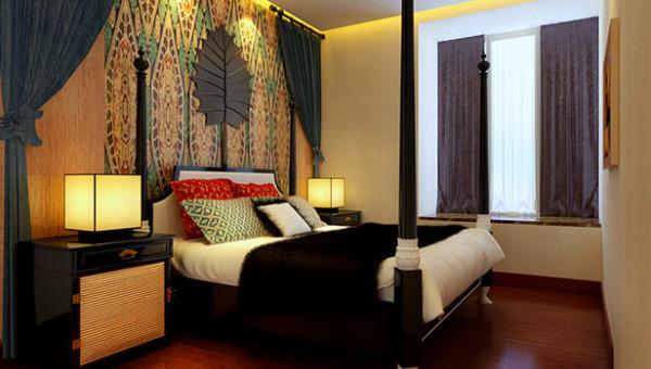 空间层次、区域分布、与室外的美景交融,墙纸图案、色彩的选择,装饰画的布置,精致之中是对细节最苛刻的追求。