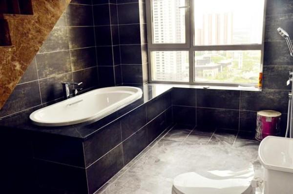 开放式的浴室,浪漫具有情调。是现代设计和中式设计的碰撞的火花!