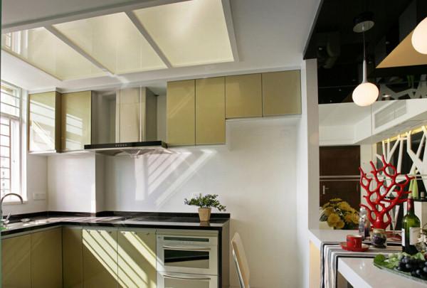 明亮的厨房