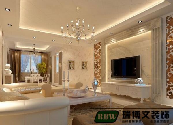 客厅空间,顶面统一用菱形方格造型,简单的回字形吊顶,墙面选用壁纸,卫彰显大气,电视墙采用大理石做背景,大理石柱子突出造型,结合磨花茶镜,欧式风格表现的淋漓尽致,家具搭配显色,是空间明快,大方不失奢华。