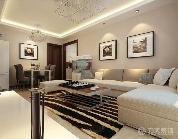 沙发旁边还放置了鱼缸,让空间添加一丝自然的气息。主卧室整体为暖色调,温馨舒适,儿童房整体感觉更加活泼适合儿童居住。